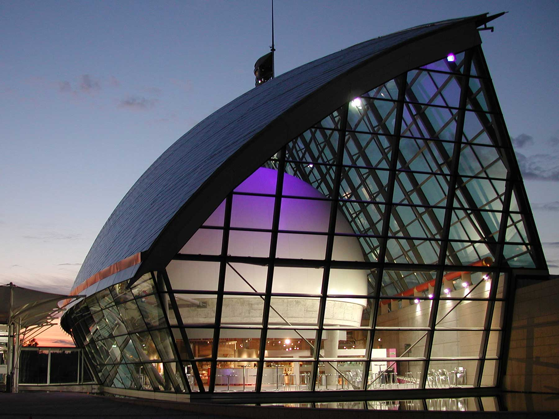 Glasgow-Dome3-1800