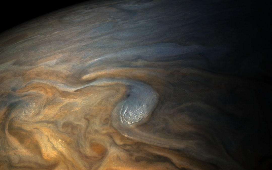 Simulating Juno's Buzz by the Great Red Spot